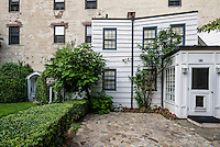 New York, NY 25 July 2014 White Greenwich Village Farmhouse went on the market for 20 Million Dollars © Stacy Walsh Rosenstock/Alamy