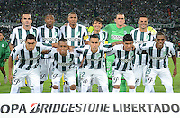 MEDELLIN -COLOMBIA, 5-MARZO-2015. Jugadores de Atletico Nacional posan para una foto previo al juego con Estudiantes de La Plata de La Copa Bridgestone Libertadores 2015 grupo siete jugado en el estadio Atanasio Girardot de la ciudad de Medellin. / Players of  Atletico Nacional pose to a photo prior the match against Estudiantes de La Platal of the Bridgestone Libertadores Cup 2015 Group Seven played at Atanasio Girardot stadium in the city of Medellin.  Photo /VizzorImage / Leon Monsalve  / Stringer