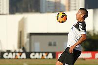 SAO PAULO, SP 11 JULHO 2013 - TREINO CORINTHIANS - O jogador Ralf do Corinthians, treinou na tarde de hoje, 11, no Ct. Dr. Joaquim Grava, na zona leste de São Paulo. FOTO: PAULO FISCHER/BRAZIL PHOTO PRESS