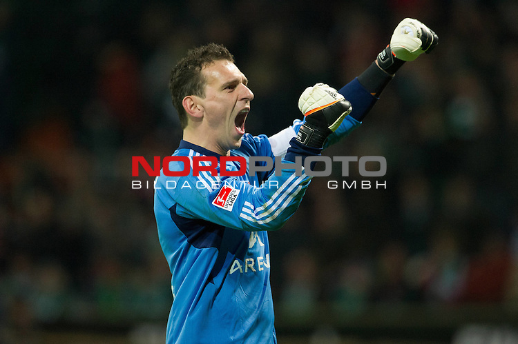 25.02.2012, Weser Stadion, Bremen, GER, 1.FBL, Werder Bremen vs 1.FC Nuernberg, im Bild<br /> Jubel nach dem 0 zu 1 in Bremen - Raphael Sch&auml;fer / Schaefer (Nuernberg #1)<br /> // during the Match GER, 1.FBL, Werder Bremen vs 1.FC Nuernberg,  Weser Stadion, Bremen, Germany, on 2012/02/25<br /> Foto &copy; nph / Kokenge *** Local Caption ***