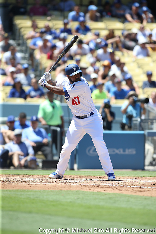 August 13, 2016 Los Angeles, CA: Los Angeles Dodgers left fielder Howie Kendrick #47 during an MLB game played at Dodger Stadium between the Pittsburgh Pirates and the Los Angeles Dodgers.