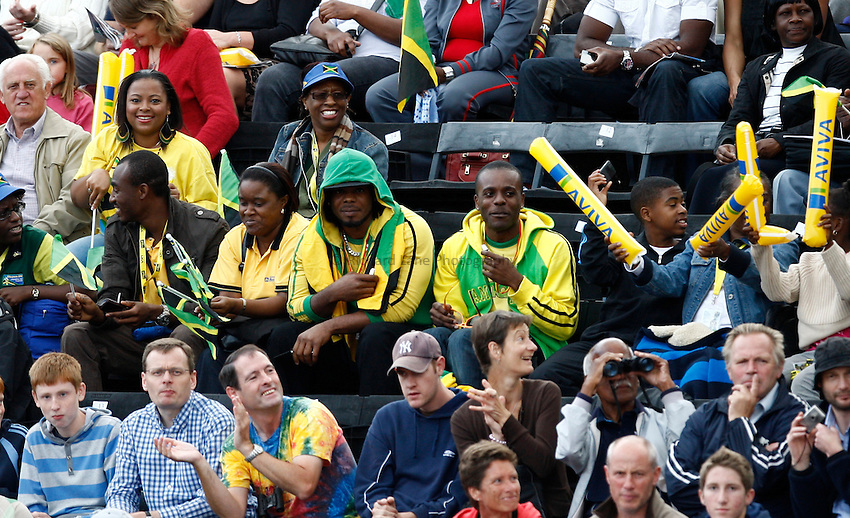 Photo: Richard Lane/Richard Lane Photography..Aviva London Grand Prix. 24/07/2009. Athletics supporters.