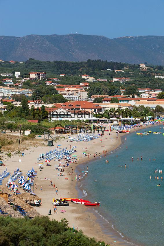 Greece, Ionian Islands, Zakynthos, Tsilivi: View over resort and bay | Griechenland, Ionische Inseln, Zakynthos, Tsilivi: Urlaubsort mit Strand und Bucht