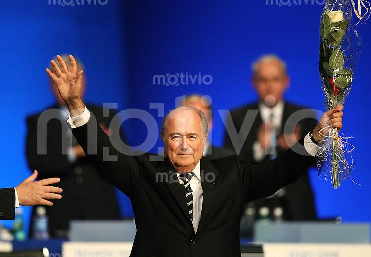 Fussball International 57. FIFA Kongress    Hallenstadion Zuerich JUBEL; FIFA Praesident Joseph S. Blatter wird im Amt bestaetigt