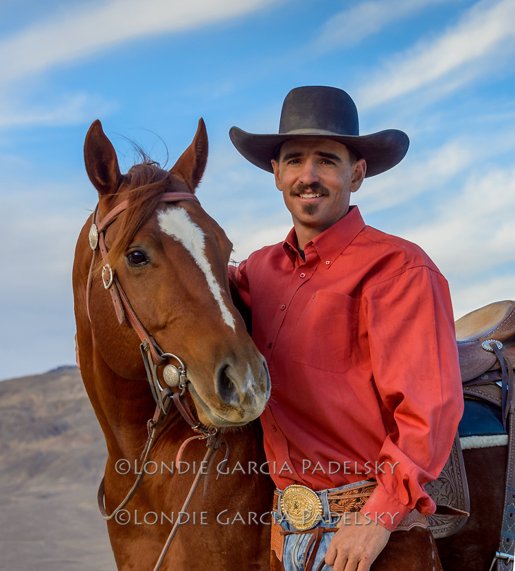 2013 NRCHA Snaffle Bit Futurity Open Champions Nick Dowers with winning horse, Time for the Diamond.