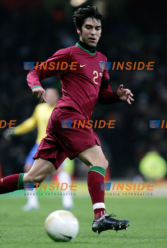 Portugal's Paulo Ferreira during a friendly match at Emirates Stadium in London, Tuesday February 06, 2007. (INSIDE/ALTERPHOTOS/Alvaro Hernandez).