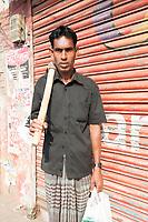 Bangladesh; Jhenaidah; laborers; men; women; work