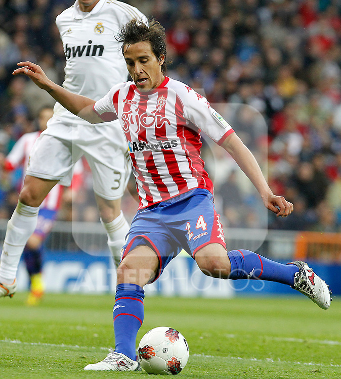 Sporting de Gijon's Oscar Guido Trejo during La Liga match.April 14,2012. (ALTERPHOTOS/Acero)
