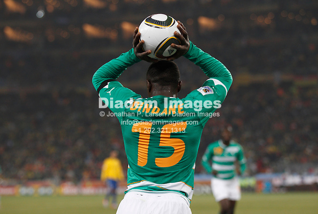 JOHANNESBURG - JUNE 20:  Aruna Dindane of Côte d'Ivoire sets for a throw in during a 2010 FIFA World Cup football match against Brazil June 20, 2010 in Johannesburg, South Africa.  NO mobile use.  Editorial ONLY.