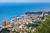 Principality of Monaco, on the French Riviera (Côte d'Azur): view across Monaco with district Monte Carlo | Fuerstentum Monaco, an der Côte d'Azur: Blick auf Monaco mit dem Stadtteil Monte Carlo