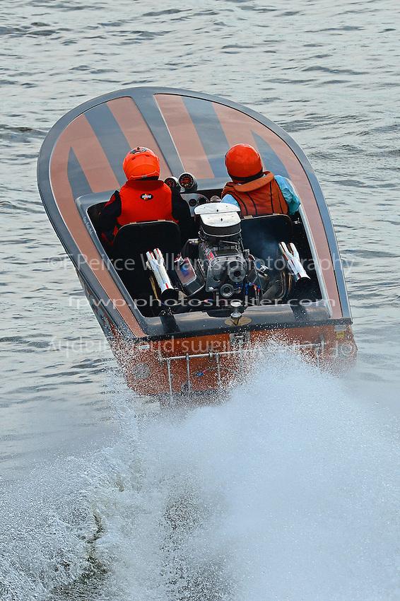 """""""Tiger"""" (1976 Everingham racing flatbottom ski boat)"""
