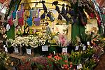 Oxford 2009-03-07. Miasto w południowej Anglli głównie znane jako siedziba Uniwersytetu Oxfordzkiego. Kwiaciarnia, Covered Market.