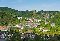 Germany, Rhineland-Palatinate, Ahr-Valley, Altenahr: wine village with castle ruin Are | Deutschland, Rheinland-Pfalz, Ahrtal, Altenahr: Weinort mit der Burgruine Are