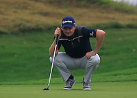 Justin Rose (ENG) on the 1st green during Thursday's Round 1 of the 2014 BMW Masters held at Lake Malaren, Shanghai, China 30th October 2014.<br /> Picture: Eoin Clarke www.golffile.ie