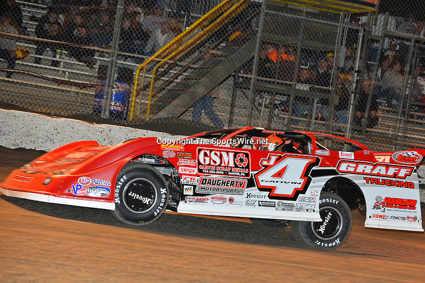 Feb 17, 2014; 7:18:55 PM;  Barberville, FL, USA;  World of Outlaws Late Model Series for 43rd Annual DIRTcar Nationals presented by Summit Racing Equipment at Volusia Speedway Park.  Mandatory Credit: (thesportswire.net)