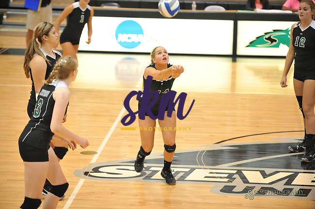 Women's volleyball defeats Rowan University 3-0.Women's volleyball defeats Rowan University 3-0.