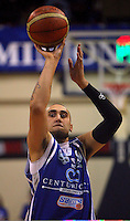 Leon Henry shoots a penalty during the NBL Basketball match between the Wellington Saints and Bay Hawks, TSB Bank Arena, Wellington, New Zealand on Saturday, 10 May 2008. Photo: Dave Lintott / lintottphoto.co.nz