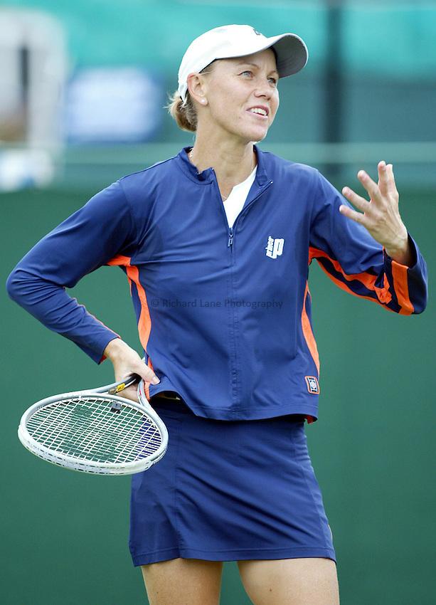 Photograph: Scott Heavey..Hastings Direct Womens Tennis.  Eastbourne. 18/06/2003..Rennae Stubbs.