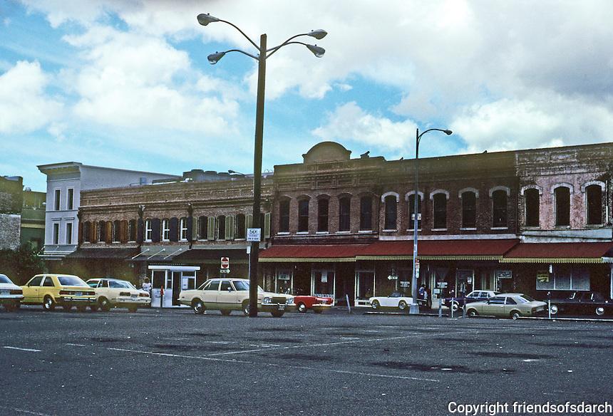 Honolulu: Nuuanu Street, South of Hotel. Photo '82.