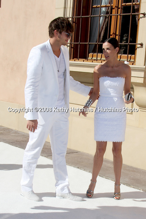 "Ashton Kutcher & Demi Moore arriving at the White Party hosted by Sean ""Diddy"" Combs & Ashton Kutcher in Beverly Hills, CA on July 4, 2009 .©2008 Kathy Hutchins / Hutchins Photo.."