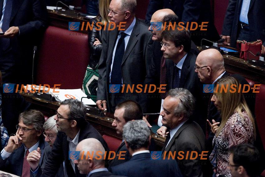 LA CAMERA DEI DEPUTATI RESPINGE IL RENDICONTO GENERALE DELL AMMINISTRAZIONE DELLO STATO PER L ESERCIZIO FINANZIARIO 2010..NELLA FOTO IL CENTRO SINISTRA ATTENDE NOTIZIE DALLA PRESIDENZA ..ROMA 11 OTTOBRE  2011..PHOTO  SERENA CREMASCHI INSIDEFOTO..............................