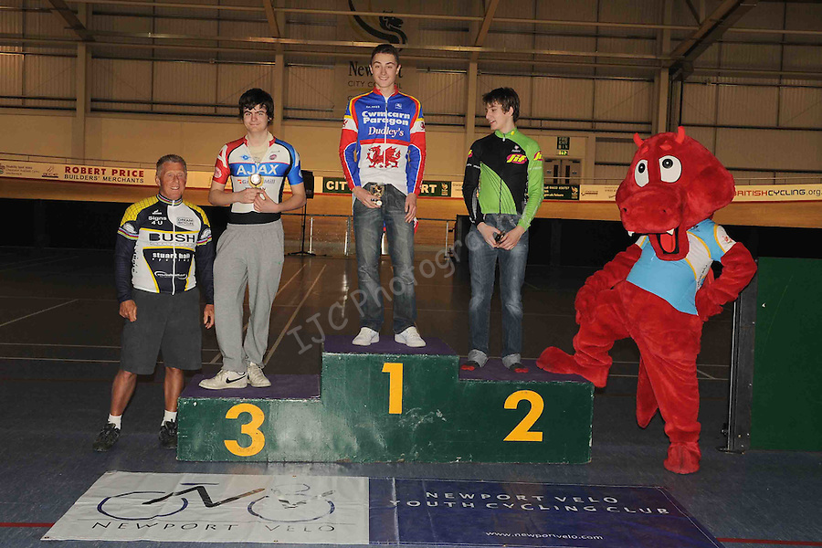 ..Icebreaker Series 2011 Round 3 Sat 26 Mar 2011 - Newport Velodrome - Newport..© www.ijcsports.co.uk - PLEASE CREDIT IAN COOK