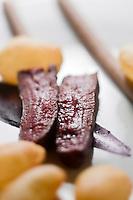 Europe/France/Rhone-Alpes/74/Haute-Savoie/Megève: Filet de chevreuil rôti sauce gibier au balsamique, purée de racines, choux rouge, myrtilles, recette d'Emmanuel Renaut dit Manu - Restaurant: Flocons de Sel - Route de Rochebrune