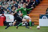 FUSSBALL   1. BUNDESLIGA   SAISON 2012/2013    26. SPIELTAG SV Werder Bremen - Greuther Fuerth                        16.03.2013 Mergim Mavraj (li, Greuther Fuerth) gegen Kevin De Bruyne (re, SV Werder Bremen)