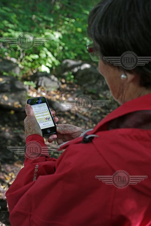 Evelyn Bø  og venninen ble funnet raskt etter å ha brukt NLA's mobil app med GPS koordinater.