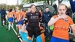 BLOEMENDAAL  - Hockey -  finale KNHB Gold Cup dames, Bloemendaal-HDM . Bloemendaal wint na shoot outs.  keeper Diana Beemster (Bldaal) en Melle Spruijt (Bl'daal) COPYRIGHT KOEN SUYK