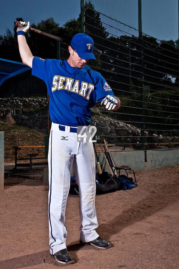 24 May 2009: Andrew Smith of Senart warms up prior to a game against La Guerche during the 2009 challenge de France, a tournament with the best French baseball teams - all eight elite league clubs - to determine a spot in the European Cup next year, at Montpellier, France. Senart wins 8-5 over La Guerche.