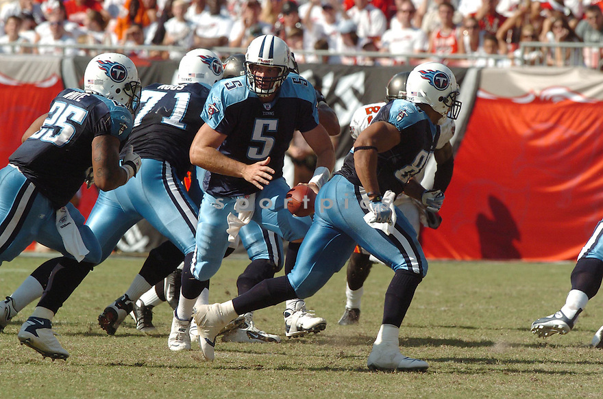 KERRY COLLINS, of the Tennessee Titans , in action during the Titans games against the Tampa Bay Buccaneers , in Tampa Bay, FL on October 14, 2007.  ..The Buccaneers won the game 13-10...COPYRIGHT / SPORTPICS..........