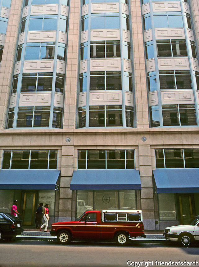 Washington D.C. : 325 7th St. NW--oriel windows  like Sullivan's Chicago Stock Exchange. Photo '91.
