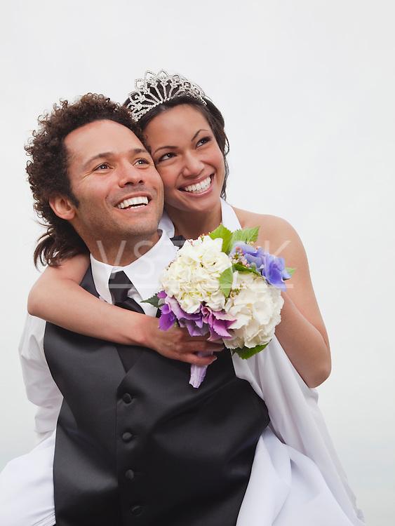 USA, California, San Francisco, Baker Beach, portrait of bride and groom