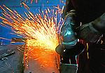 Trabalho em indústria metalúrgica. SP. Foto de Juca Martins.