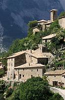 Europe/France/84 /Vaucluse/Brantes: le Village et le Ventoux