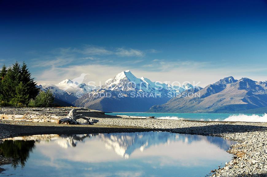 Mount Cook / Aoraki reflected in Lake Pukaki, McKenzie Country, South Island New Zealand.