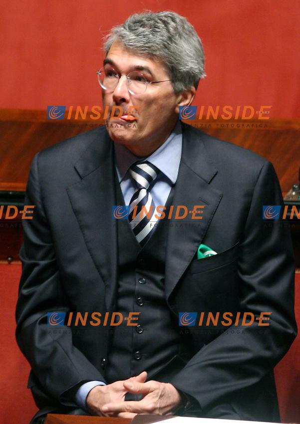 Roma, 28/04/2006 Senato:Votazione per il Presidente<br /> Nella foto il senatore della Lega Nord Roberto Castelli<br /> Photo Serena Cremaschi Insidefoto