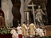 Papa Francesco celebra la Messa del Crisma in occasione del Giovedi' Santo, nella Basilica di San Pietro, Citta' del Vaticano,18 aprile 2019.<br /> Pope Francis leads the Chrism Mass for Holy Thursday in Saint Peter's Basilica at the Vatican, on April 18, 2019.<br /> UPDATE IMAGES PRESS/Isabella Bonotto<br /> <br /> STRICTLY ONLY FOR EDITORIAL USE