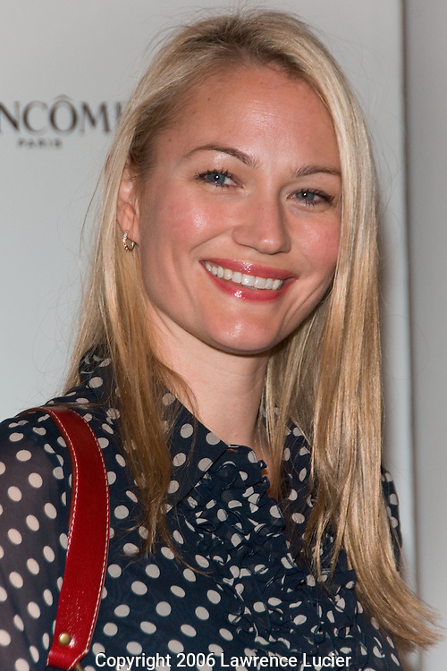 "Actress Sarah Wynter appears at the ""Most Alluring Bodies"" photo exhibition sponsored by Allure Magazine and Lancome Cosmetics April 24, 2006, at Milk Studios in New York City... (Pictured : Sarah Wynter)."