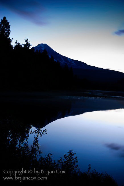 Mount Hood at dawn, seen from Trillium Lake