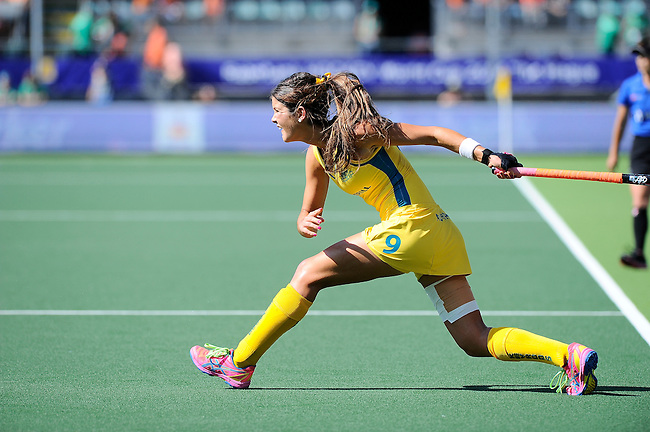 The Hague, Netherlands, June 12: Anna Flanagan #9 of Australia looks on after passing the ball during the field hockey semi-final match (Women) between USA and Australia on June 12, 2014 during the World Cup 2014 at Kyocera Stadium in The Hague, Netherlands. Final score after full time 2-2 (0-1). Score after shoot-out 1-3. (Photo by Dirk Markgraf / www.265-images.com) *** Local caption ***