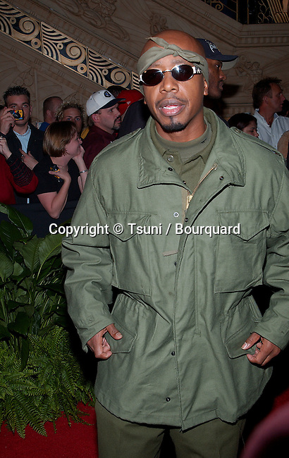 M C Hammer arriving at the Billboard Bash pre- Party at the MGM Grand in Las Vegas (Los Angeles). December 3, 2001.            -            MCHammer02.jpg