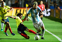 SAN JUAN- ARGENTINA-15-11-2016: Lionel Messi (Der.) jugador de Argentina, disputa el balón con Juan Guillermo Cuadrado (Izq.) jugador de Colombia, durante partido entre los seleccionados de Argentina y Colombia por la fecha 12 válido por la clasificación a la Copa Mundo FIFA Rusia 2018, jugado en el Estadio San Juan del Bicentenario de la ciudad de San Juan. /  Lionel Messi (R) player of Argentina, vies the ball with Juan Guillermo Cuadrado (L) player of Colombia during match between Argentina and Colombia for the date 12 valid for the  FIFA World Cup Russia 2018, Qualifier played at San Juan del Bicentenario Stadium in San Juan city. Photo: VizzorImage / Mario Garcia /Photogamma / Cont.