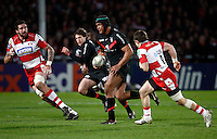 Photo: Richard Lane/Richard Lane Photography. Gloucester Rugby v Stade Toulouse. Heineken Cup. 20/01/2012. Thierry Dusautoir of Toulouse breaks for a try.