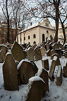 Tschechien, Boehmen, Prag: alter juedischer Friedhof mit ueber 12.000 Grabsteinen | Czech Republic, Bohemia, Prague: The Old Jewish cemetery, containing 12,000 tombstones