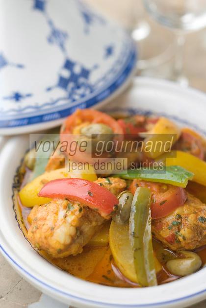 """Afrique/Afrique du Nord/Maroc/Fès: Palais Jamai- Tajine de lotte à la mode de Fèz recette d'Hicham Hassan chef du restaurant """"Al Fassia"""""""