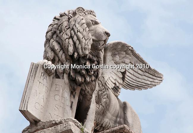 Statue of a lion in the Piazza dei Signoria in Verona, Italy.