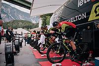 Team Mitchelton-Scott warming up<br /> <br /> UCI MEN&lsquo;S TEAM TIME TRIAL<br /> Ötztal to Innsbruck: 62.8 km<br /> <br /> UCI 2018 Road World Championships<br /> Innsbruck - Tirol / Austria