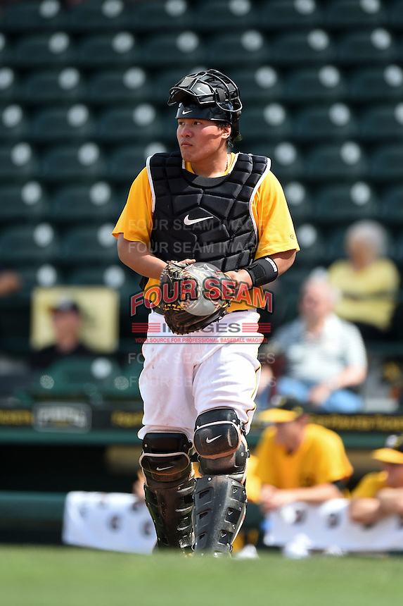 Bradenton Marauders catcher Jin-De Jhang (47) during a game against the St. Lucie Mets on April 12, 2015 at McKechnie Field in Bradenton, Florida.  Bradenton defeated St. Lucie 7-5.  (Mike Janes/Four Seam Images)